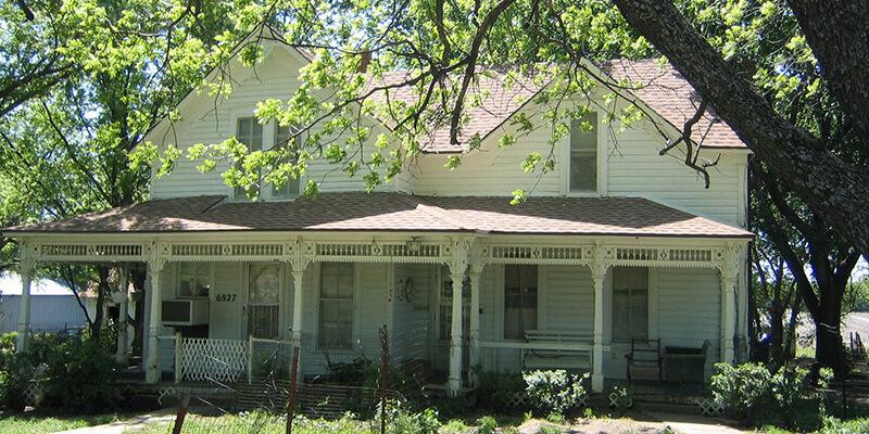 silver lake farmhouse